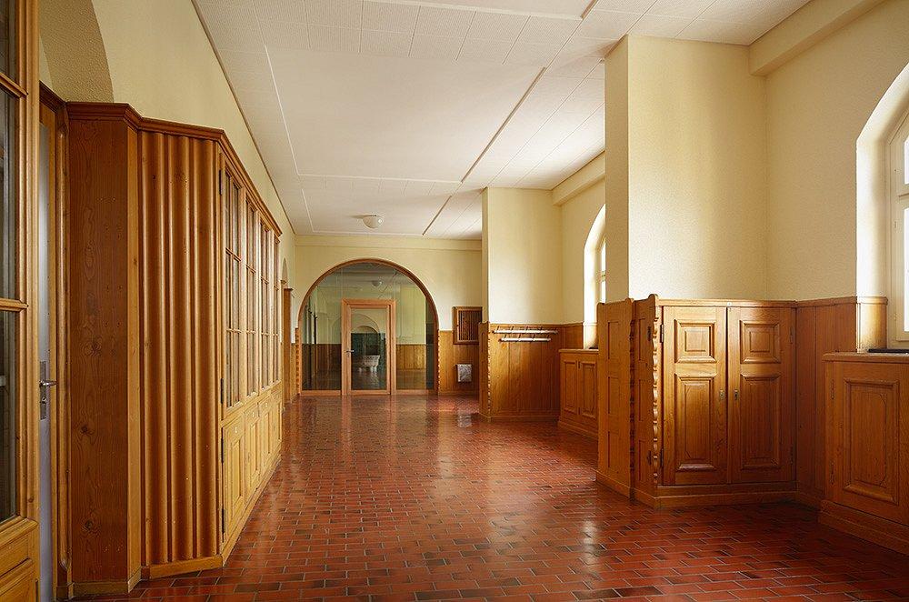 Neuer Abschluss im Korridor