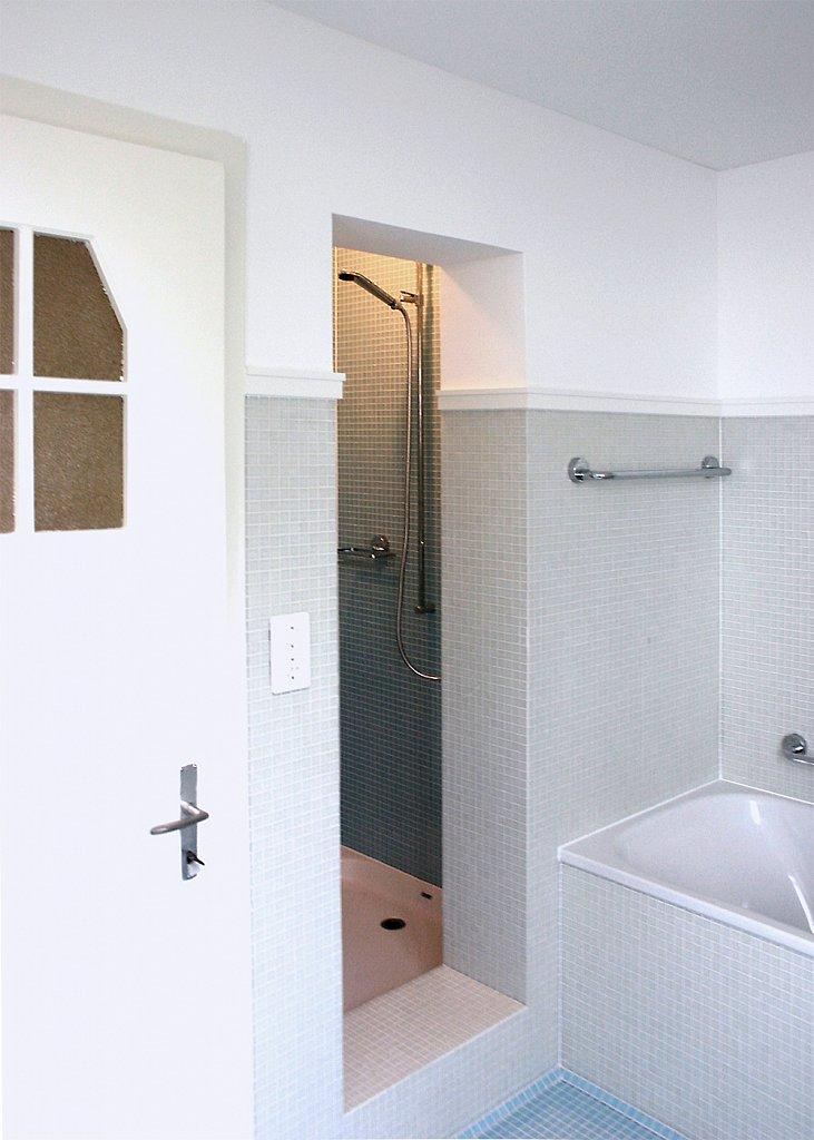 Bad mit Duschnische