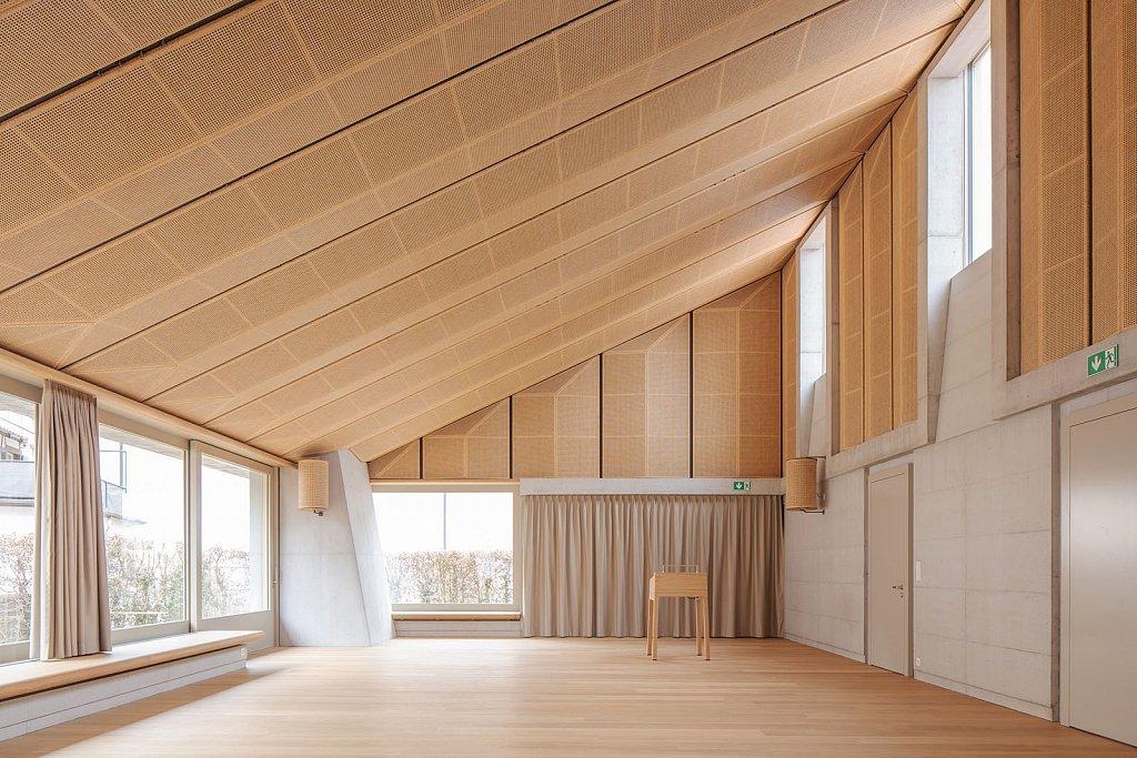 1406-Innenbild-Saal.jpg